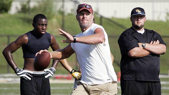 When Brett Favre Takes Field Sunday His >> Brett Favre Workout | Muscle Prodigy