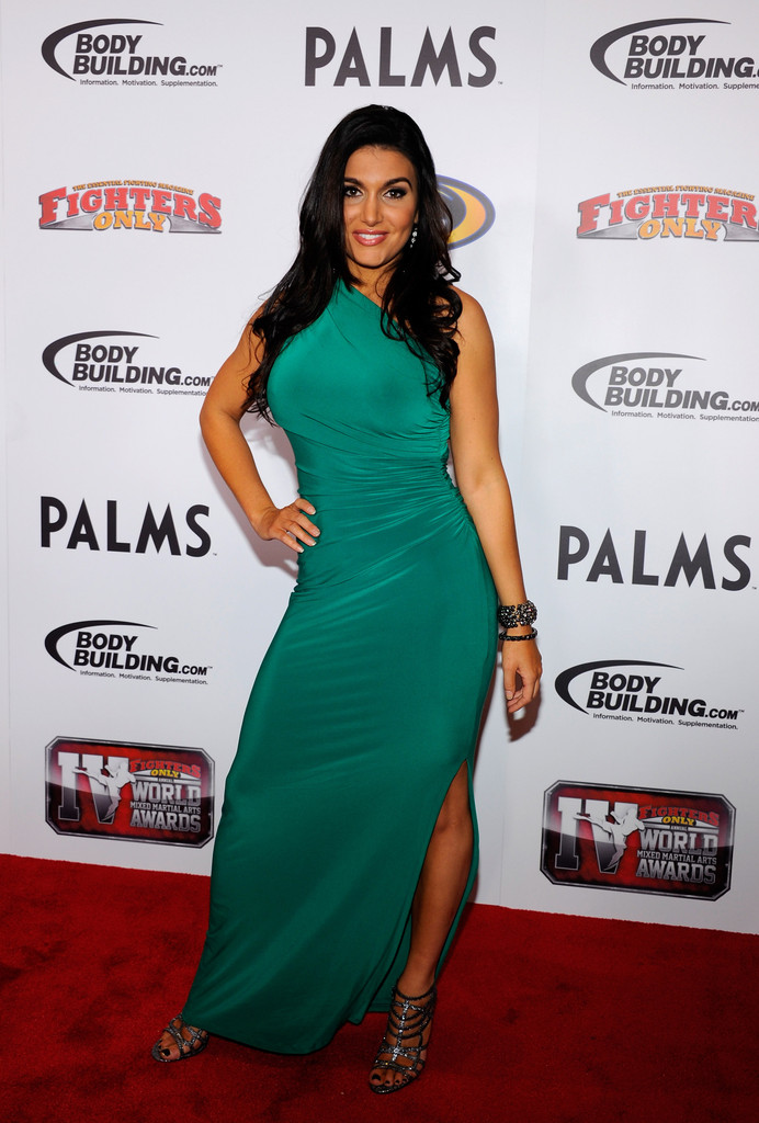Top 25 Hottest Sports Reporters | Muscle Prodigy